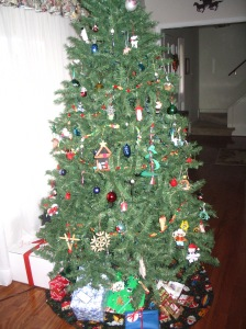 da tree, assembled and decorated by boys